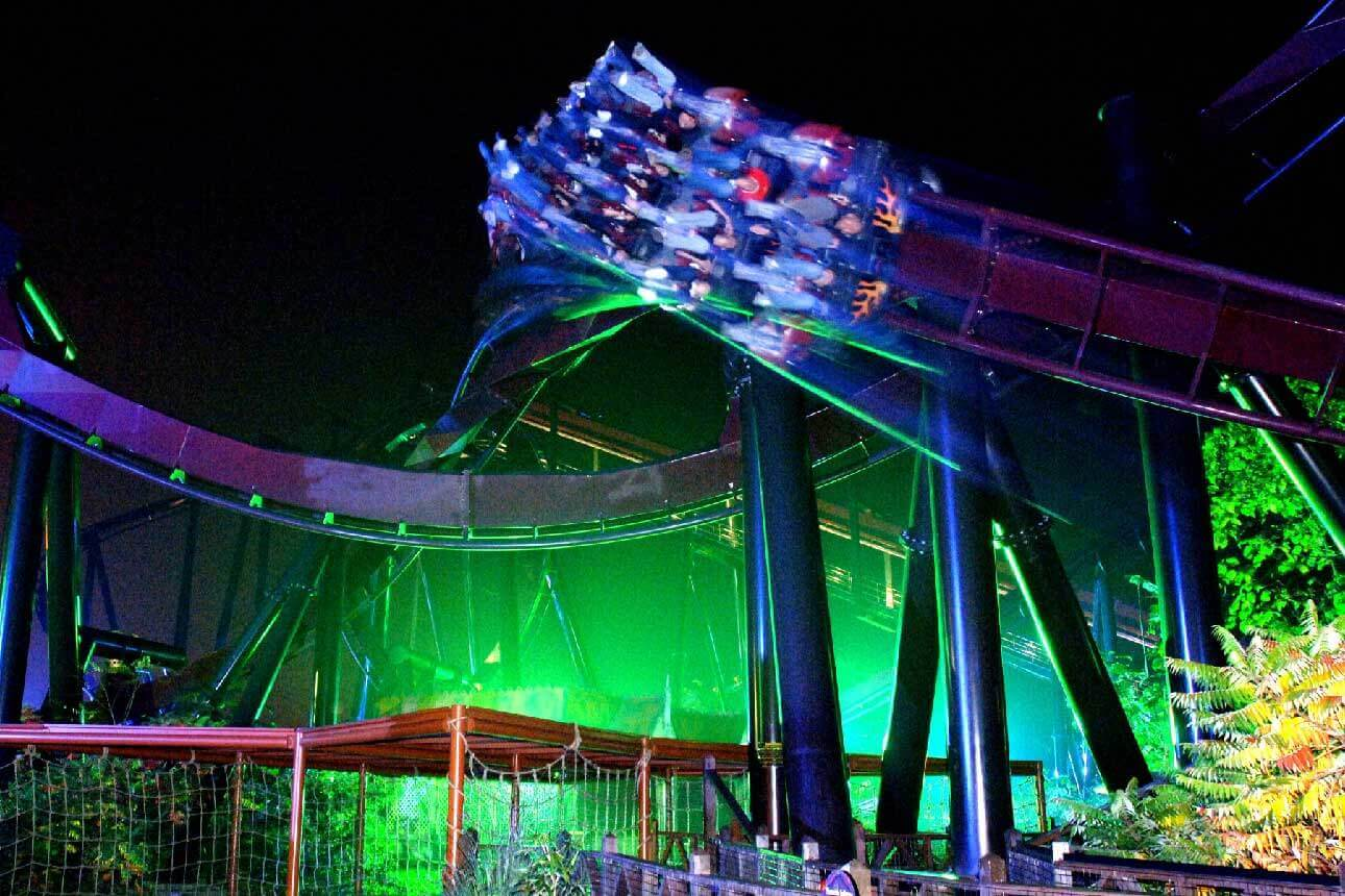 Feared 5 Halloween Rollercoaster Challenge, Nemesis Inferno at Night